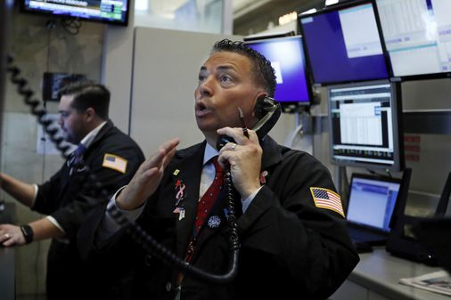 Stocks, yields sink again on Wall Street